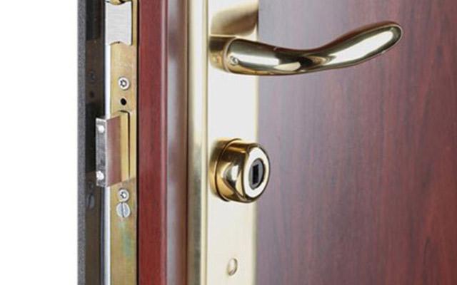 3 cerraduras que debes instalar en tu puerta acorazada