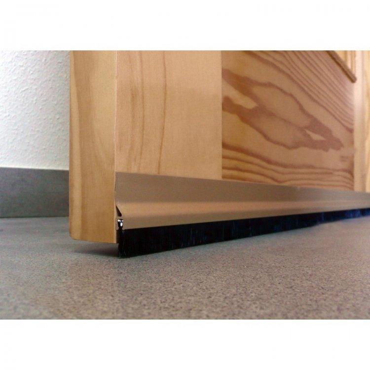 Cómo instalar un burlete o bajos de puerta